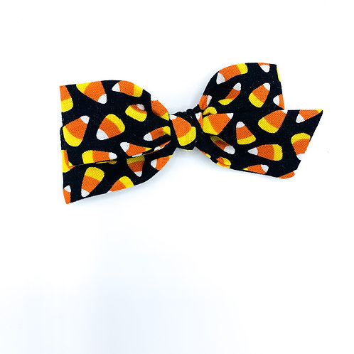 $5 Quincey Bow #180