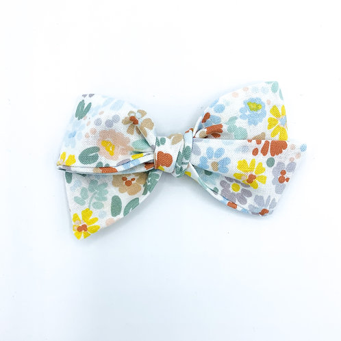 $5 Quincey Bow #37