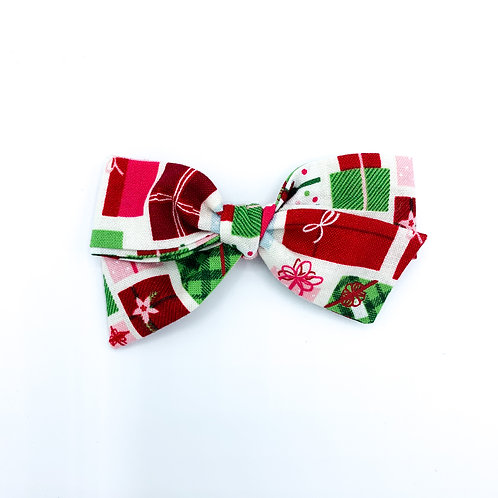 $5 Quincey Bow #174