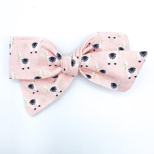 $5 Quincey Bow #101