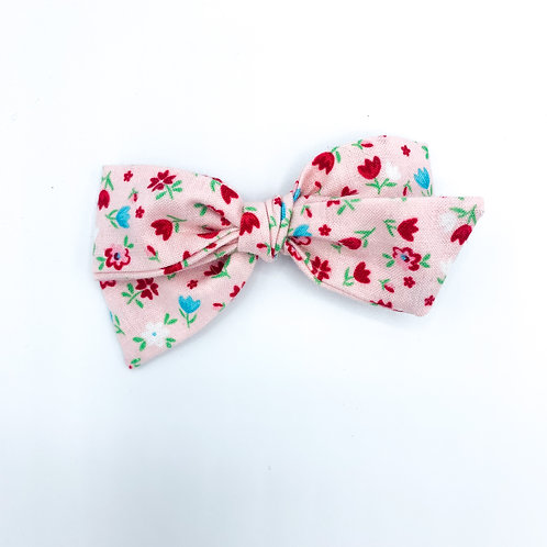 $5 Quincey Bow #93