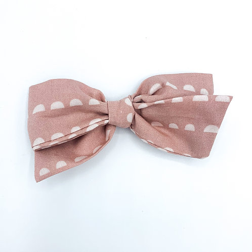 $5 Quincey Bow #97
