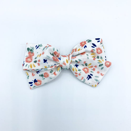 $5 Quincey Bow #9