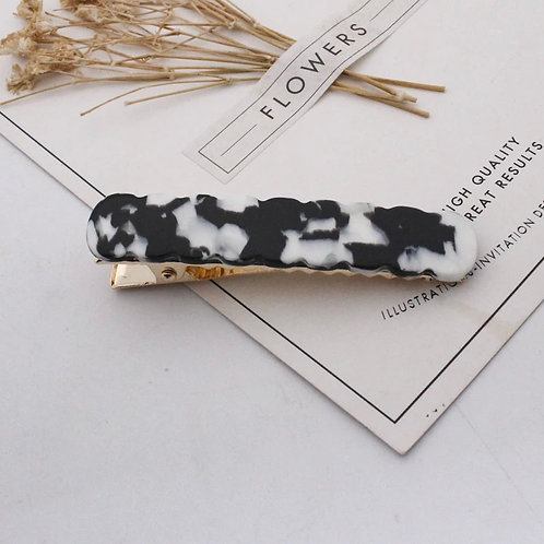 Black and White Marble Scallop Acrylic Hair Clip