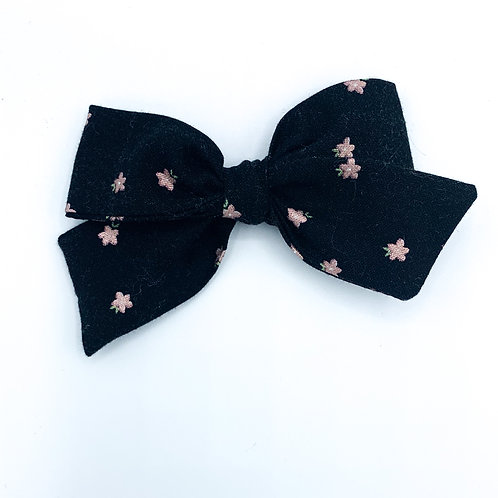 $5 Quincey Bow #28