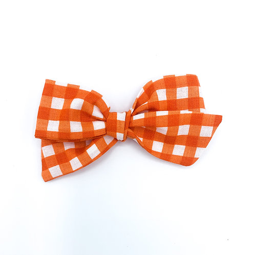 $5 Quincey Bow #155