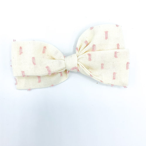 $5 Quincey Bow #137