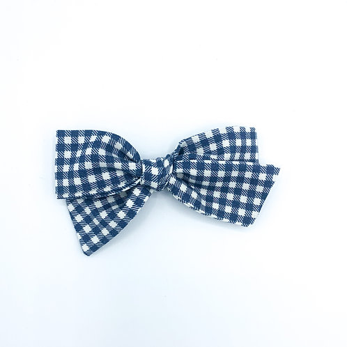 $5 Quincey Bow #159