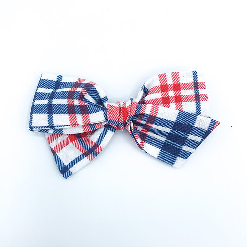 $5 Quincey Bow #112