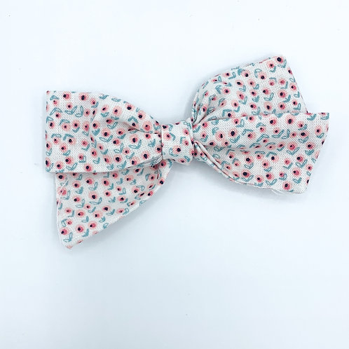 $5 Quincey Bow #158