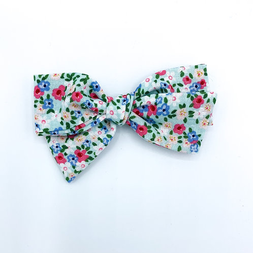 $5 Quincey Bow #18