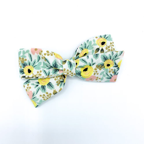 $5 Quincey Bow #43