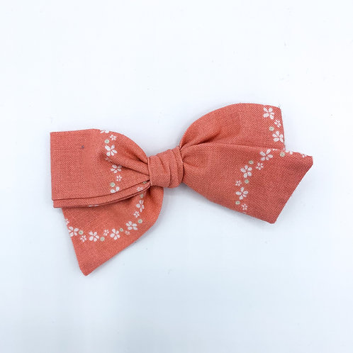 $5 Quincey Bow #13