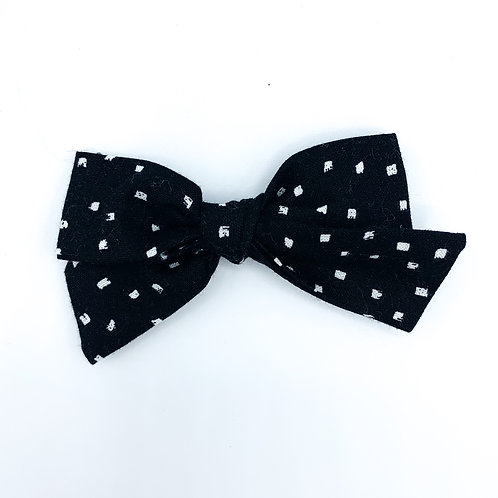 $5 Quincey Bow #136