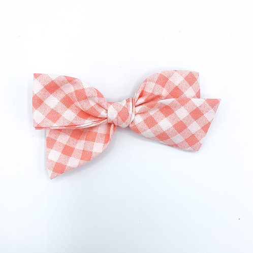 $5 Quincey Bow #147