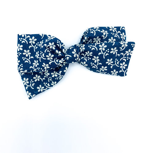 $5 Quincey Bow #41