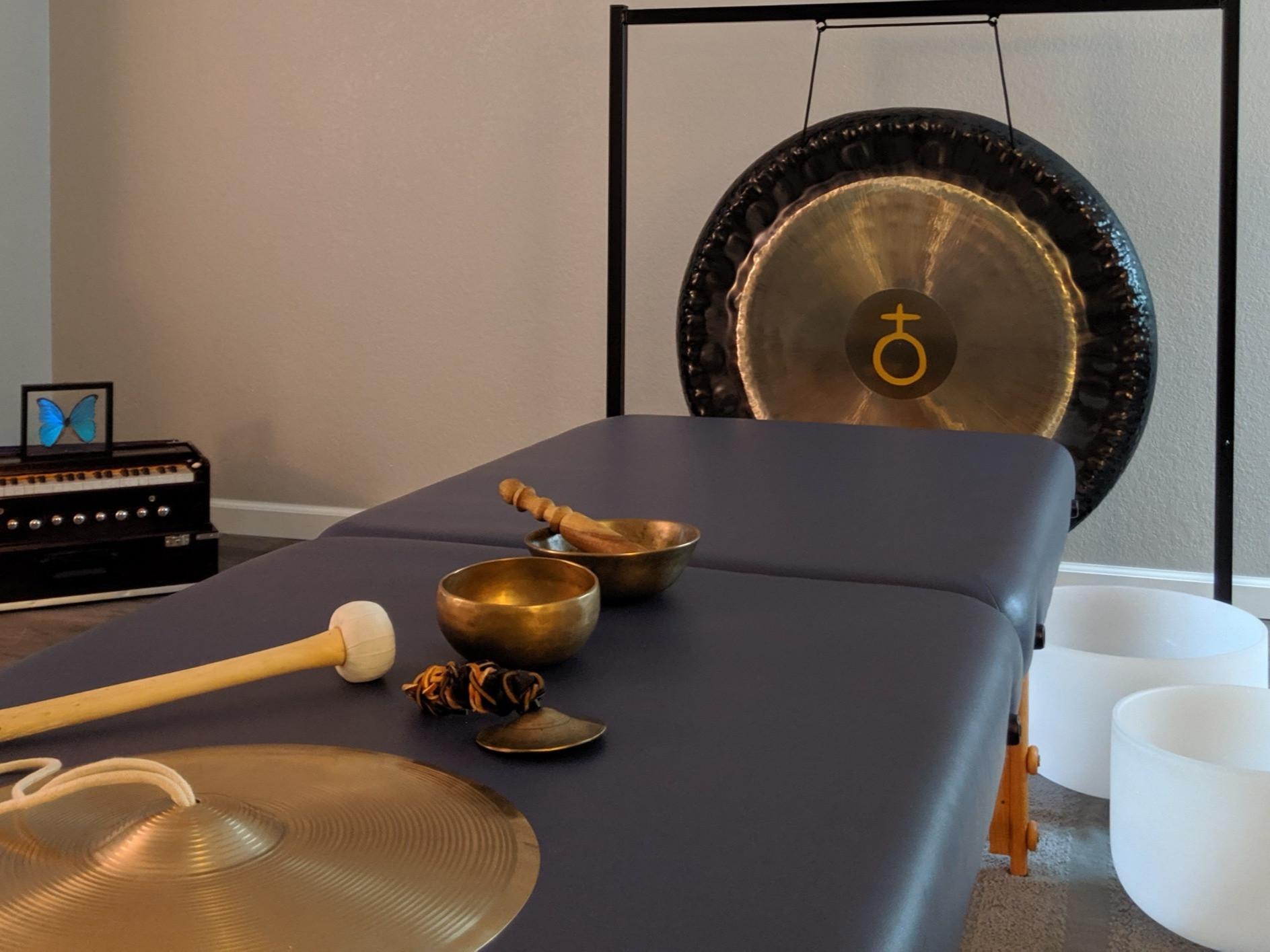 Qi & Sound Healing Session
