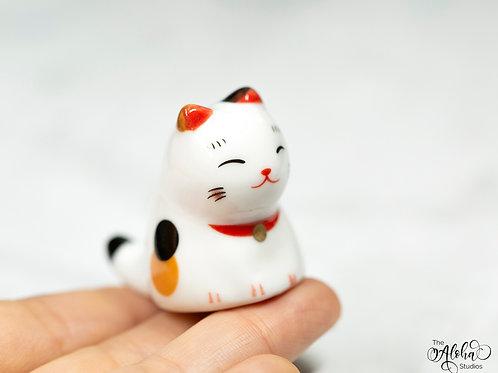 Ceramic brushrest cat / cute little cat figurine / kitty chopstick rack