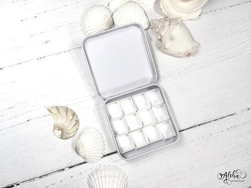 White travel tin for 12 half pans