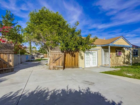 8720 San Vicente St, San Diego, CA 92114