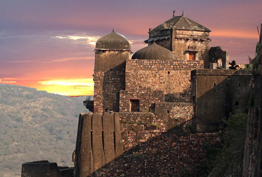 Vedic-Walks-Travel-Company-tour-operator-things-to-do-rajasthan-world-heritage-sites-India-UNESCO-tour-packages-Ranthambore-fort