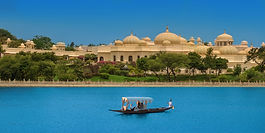 Things-to-do-in-Udaipur-tour-sightseeing-vedic-walks-book-Boat-ride-Lake-Pichola.jpg