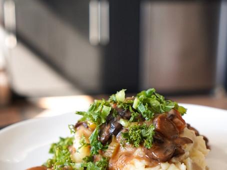 Mushroom Bourguignon with Vegan Mashed Potatoes (1 hour)