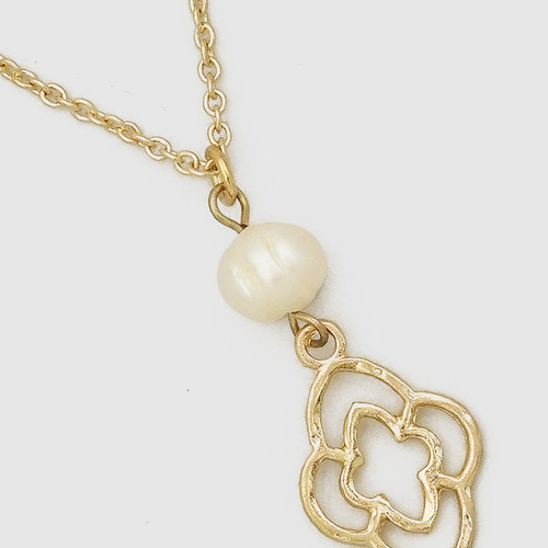 Forever finds jewelry necklaces freshwater pearl quatrefoil necklace aloadofball Choice Image