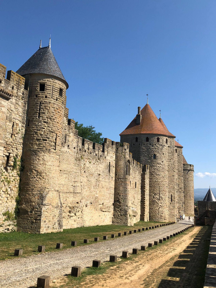 Catching up in Carcassone