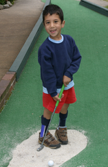 PATIENT PLAYING MINI GOLF