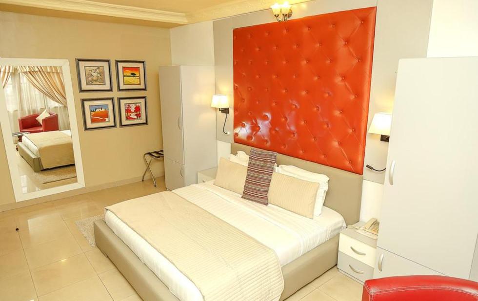 Apartment_Royale_Superior_Room.jpg