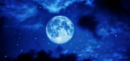 Full Moon October 31st 2020 - Halloween Blue Moon