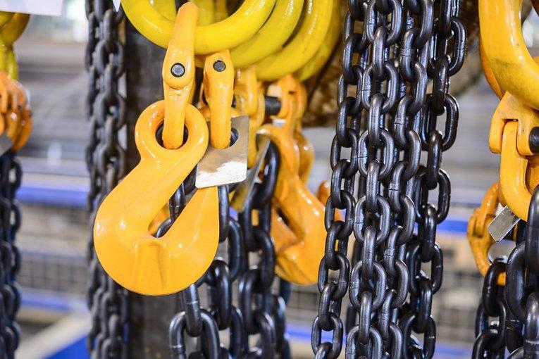 lifting chains.jpg