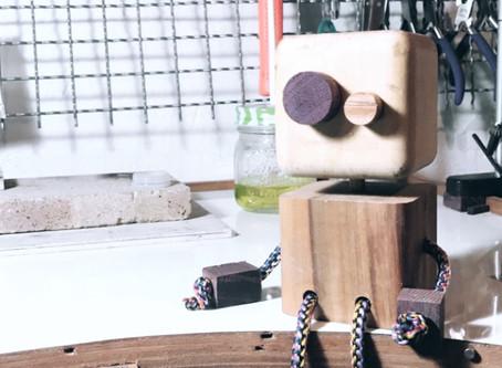 Toco  |  Oficina de bonecos de madeira