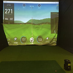 Skytrack indoor golf simulator