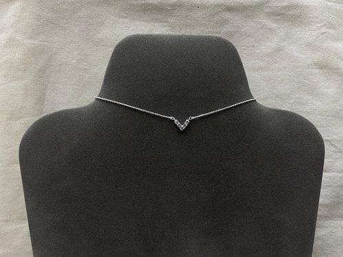 5 V crystal necklace (#N086)