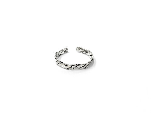 Twist-plain flattened toe ring (#7321-16)