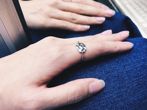 Hammer-pattern ring