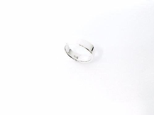 Hallu' Ring