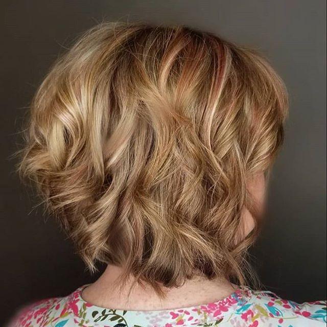 Textured bob 💇♀️ with fresh highlights