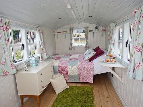 2nts Glamping in Shepherd's Hut Ticket (for 2 ppl)