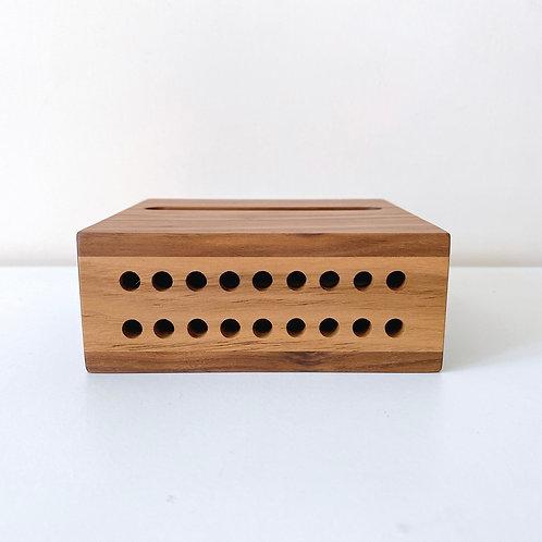 簡約免插電擴音盒