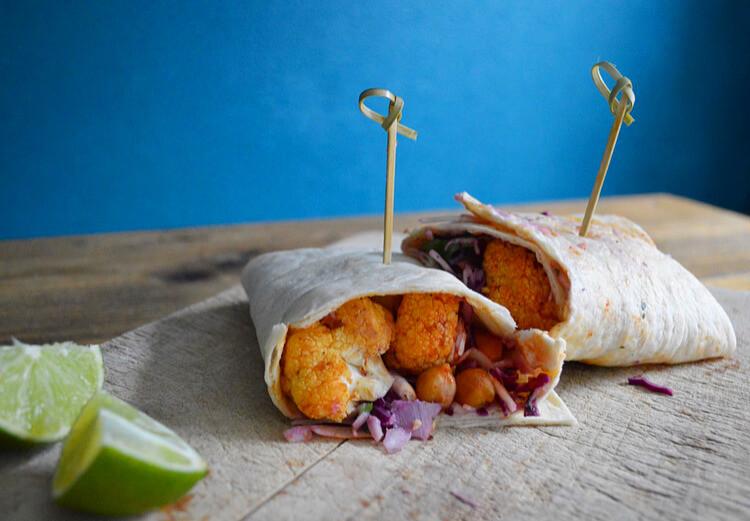 Vegan wraps met bloemkool kikkererwten coleslaw