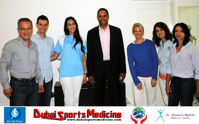 March 2014 Dr. William Murrell shares experiences on recent advancements in sports shoulder surgery