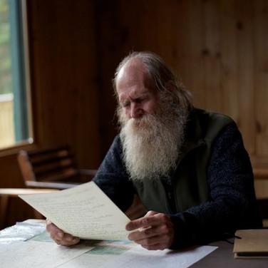 PIETER READING A POEM