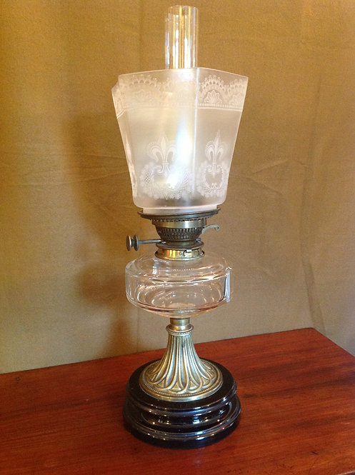 Victorian (c1890) Oil Lamp with Etched Shade