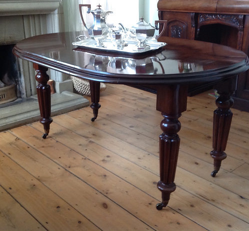 Antique Victorian Windout Mahogany Dining Table