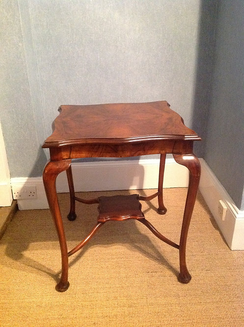 An Early Edwardian (c1900) Walnut Occasional Table