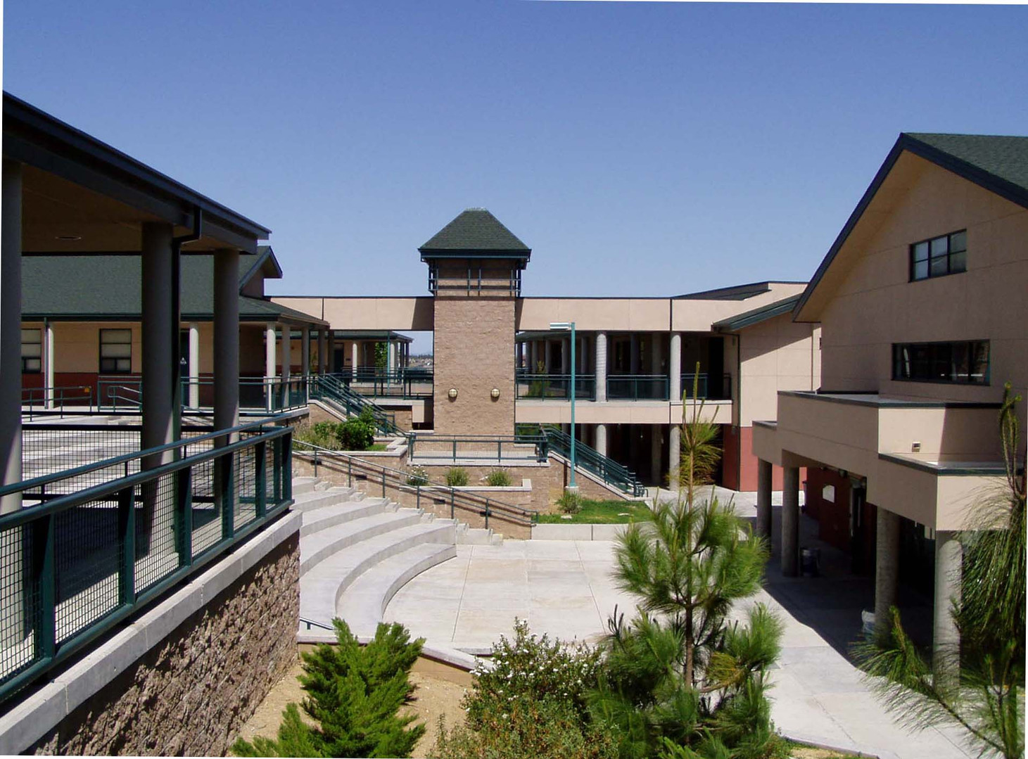 Diablo Vista Elementary School Central Amphitheater