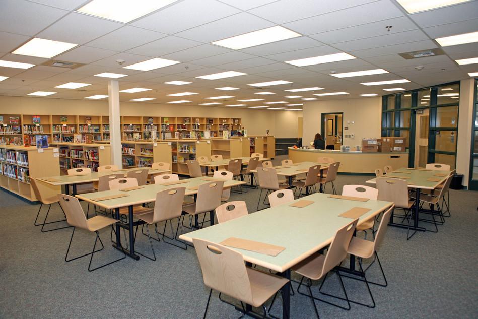 Marina Vista Elementary School Library